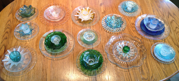 How to make inexpensive flower plate garden art for Flowers made of glass