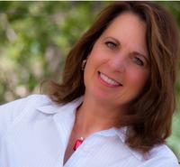 Gail Mencini headshot